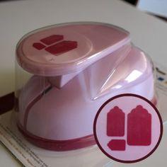 Troqueladora con forma de etiquetas.  Foodecora.