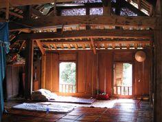Volets intérieurs à persiennes en bois