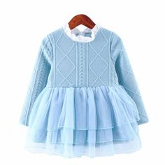 * Floral print & bow-accent<br /> * Mesh overlay<br /> * Material: 80% Cotton, 20% Polyester<br /> * Machine wash, tumble dry<br /> * Includes: dress x 1, necklace x 1<br /> * Imported<br /> <br /> This princess dress features a floral print, bow decoration and mesh overlay.