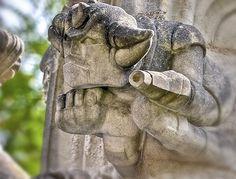 Des gargouilles « Goldorak » du XVe siècle près de Nantes sur la chapelle de Bethléem en Loire-Atlantique !