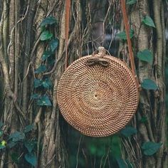 Bali, the famed island of the gods. These bags are everywhere and for good reason, they're the definition of BOHO CHIC. Round Straw Bag, Round Bag, Round Basket, Rattan, Wicker, Hippie Boho, Basket Weaving, Hand Weaving, Basket Bag