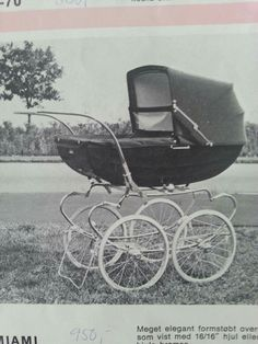 Vintage Pram, Prams And Pushchairs, Baby Carriage, Retro, Kids And Parenting, Baby Strollers, Scrapbooking, Clothes, Childhood Memories