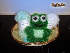 Küchenschwamm oder Badeschwamm Frosch, gehäkelt von Dadade Rico Design, Bubbles, Crochet Patterns, Crochet Hats, Christmas Ornaments, Holiday Decor, Creative, Diy, Sticks