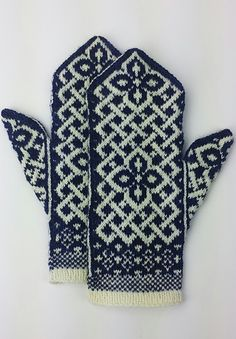 Neuen : Gratis breipatroon -: Manicmaiden & # s Celtic Carol, Knitted Mittens Pattern, Fair Isle Knitting Patterns, Knit Mittens, Knitting Designs, Knitting Projects, Knitted Hats, Crochet Patterns, Knitting Yarn, Free Knitting