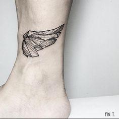 Tatuajes de alas para mujeres con sueños infinitos - Diseño