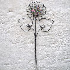 Jarní kytka - drátovaný zápich   Zobrazit plnou velikost fotografie
