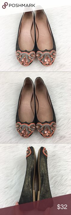 Anthropologie Jasper & Jeera Flats Anthropologie's Jasper & Jeera flats. Shoe size 5. GUC with small amount of wear. Beautiful beading. Black shoe with gold shimmer. No box included. ❌No trades ❌ Modeling ❌No PayPal or off Posh transactions ❤️ I 💕Bundles ❤️Reasonable Offers PLEASE ❤️ Anthropologie Shoes Flats & Loafers