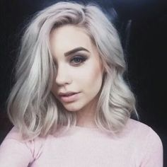 Hairstyle idea for blonde women