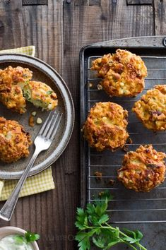 Sweet Corn Fritters Recipe Easy and Crispy Corn Patties Corn Fritter Recipes, Corn Recipes, Fun Easy Recipes, Side Dish Recipes, Vegetable Recipes, Recipies, Bread Appetizers, Appetizer Recipes, Picnic Recipes