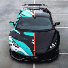 Luxury Sports Cars, Top Luxury Cars, Exotic Sports Cars, Cool Sports Cars, Sport Cars, Cool Cars, Aston Martin Vanquish, Lamborghini Veneno, Lamborghini Photos