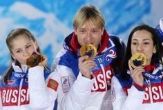 フィギュアスケート団体戦のメダル授与式、ソチ五輪 国際ニュース:AFPBB News