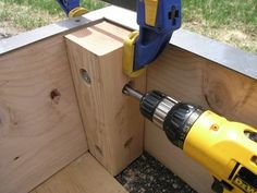 Dover Projects: How to Build a Sandbox with Seats Kids Backyard Playground, Backyard For Kids, Backyard Patio, Backyard Landscaping, Build A Sandbox, Wooden Sandbox, Sandbox Diy, Sandbox Ideas, Home Grown Vegetables