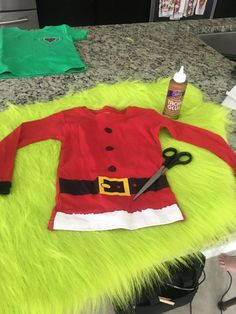 Sarah Clements - My Homepage Grinch Baby, Baby Grinch Costume, Grinch Halloween, Grinch Santa, Toddler Halloween Costumes, Boy Costumes, Halloween 2020, Diy Whoville Costumes, Christmas Costumes