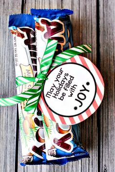 Easy Almond Joy Gift Idea and Free Printable Tag - EASY PEASY!
