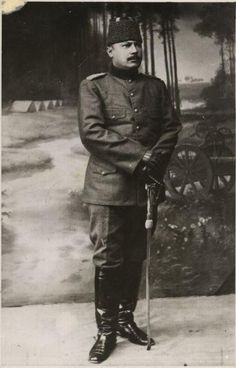 Turkish Soldier Gallipoli 57-nci Alay Komutanı Yarbay Hüseyin Avni Bey Turkish Soldiers, Turkish Army, Last Battle, Anzac Day, Harbin, Ottoman Empire, Historical Pictures, World War I, Military History
