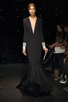 Discover recipes, home ideas, style inspiration and other ideas to try. Stephane Rolland, Origami Fashion, Jumpsuit Pattern, Event Dresses, Fashion Details, Fashion Fashion, Fashion Ideas, Fashion Trends, Apparel Design