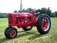 Farmall M Like if you <3 red tractors
