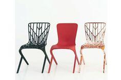 A tradicional marca Knoll trouxe pela primeira vez ao Salão o arquiteto David Adjaye e sua coleção de cadeiras Washington. Na foto, os modelos Skin e Skeleton