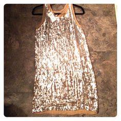 Cache sequin shift dress Sleeveless, all over sequin shift dress size small. Original price tag still on for $230!!! Cache Dresses