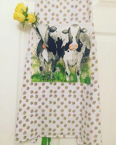 Beautiful  Daisy Cow Apron