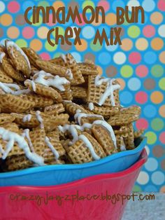 This yummy cereal mix is reminiscent of your favorite sweet rolls. You'll want to try it for yourself! #chexmix