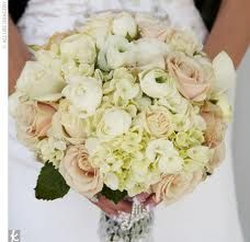 Light pink, ivory and green bouquet