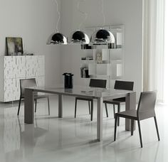 Brera expandable dining table