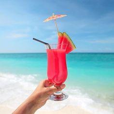 Happy #ThirstyThursday!!! We're taking our drinks with tiny umbrellas beach side!!!:camera:: @kandayaresort #cocktails #drinks #beaches #bridalinspo #destinationwedding #travelthursday #drinkoclock #wanderlust #positivevibes #mixology #alcohol #drink #br