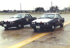 The 1983 Special Service Package Mustang went into national use. Under the hood was the legendary paired to a automatic or manual. The quickest ones came in when Ford had its speedometers certified right up to 160 mph. Ford Police, State Police, Police Cars, Police Vehicles, Police Officer, Fox Mustang, Ford Mustang Car, Car Ford, Sirens