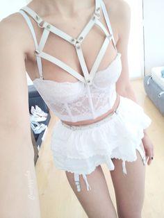 Heartie Harness in white Creepyyeha