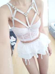 Heartie Harness in white Creepyyeha
