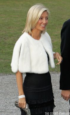 Pascal Le Segretain/Getty Images Happy belated birthday to Marie-Chantal of Greece! To mark the stylish princess's birthday, which sh. Marie Chantal Of Greece, Blue Cocktails, Princess Madeleine, Vanity Fair Oscar Party, Sweater Knitting Patterns, Leather Skirt, Sweaters For Women, Victoria, Stylish