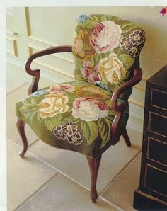 A modern needlepoint-upholstered chair, from H & G magazine. Upholstered Furniture, Painted Furniture, Home Furniture, Chair Upholstery, Muebles Shabby Chic, Love Chair, Take A Seat, Vintage Chairs, Needlepoint