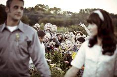 Fun wedding photo idea (via Bubby and Bean)