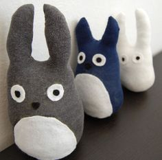 Plushie, sock animal, felt .  Free tutorial with pictures on how to make a bear plushie / teddy bear in under 60 minutes by sewing with fabric, felt, and thread. Inspired by animals, my neighbor totoro, and bears. How To posted by BanDitte. Difficulty: Easy. Cost: Absolutley free. Steps: 17