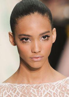 Cora Emmanuel(Elie saabSPRING 2012) - Great makeup: big lashes, tanned moisturizer & nude lippy