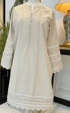 Girls Dresses Sewing, Stylish Dresses For Girls, New Kurti Designs, Kurti Designs Party Wear, Simple Pakistani Dresses, Pakistani Fashion Party Wear, Girls Frock Design, Sleeves Designs For Dresses, Embroidery Suits Design