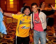 Maradona con la playera de chamagol!