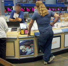 People of Walmart party in the back Only At Walmart, People Of Walmart, Stupid People, Good People, Walmart Shoppers, Walmart Photos, Mullets, Make You Smile, The Funny