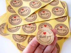 Handmade with LOVE Kraft paper stickers Handmade with love stick-on labels, Product labels round - packaging Dessert Packaging, Bakery Packaging, Craft Packaging, Food Packaging Design, Packaging Stickers, Packaging Ideas, Home Bakery Business, Bakery Business Cards, Food Truck Business