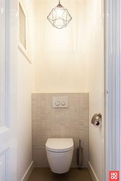 Toilet Tiles, Modern Country, Amazing Bathrooms, Home Living Room, Architecture Design, Cool Stuff, Interior, Bathroom Ideas, Inspireren