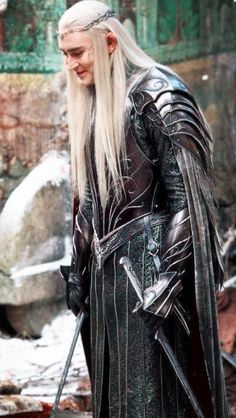 A smiling Thranduil is a beautiful thing indeed.... #durinsday