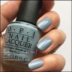 False nails have the advantage of offering a manicure worthy of the most advanced backstage and to hold longer than a simple nail polish. The problem is how to remove them without damaging your nails. Colorful Nail Designs, Nail Art Designs, Colorful Nails, Cute Nails, Pretty Nails, Essie, Opi Nail Colors, Fall Winter 2017, Classic Nails