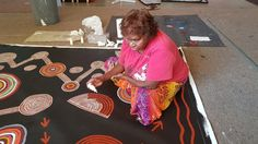 Aboriginal artist Debra  McDonald at Boomerang Art