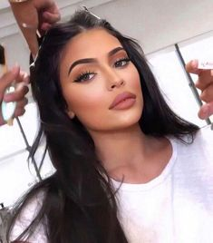 Kim Kardashian shares new images with Kylie Jenner Kylie Jenner Makeup Look, Mode Kylie Jenner, Looks Kylie Jenner, Kylie Jenner Makeup Tutorial, Kylie Jenner Instagram, Skin Makeup, Beauty Makeup, Hair Beauty, Makeup Style