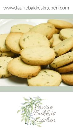 These Lavender Shortbread Cookies are definitely not your normal cookie, but they are rich, buttery and oh so delicious! Gluten Free Shortbread Cookies, Scottish Shortbread Cookies, Chocolate Chip Shortbread Cookies, Shortbread Recipes, Chocolate Cookie Recipes, Lavender Cookie Recipe, Lavender Recipes, Lavender Shortbread, Easy Cake Recipes