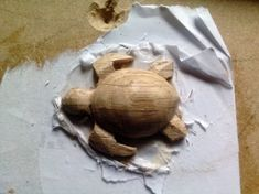 Easy Carved Wooden Turtle DIY : 3 Steps (with Pictures) - Instructables Whittling Patterns, Whittling Projects, Whittling Wood, Wood Carving Designs, Wood Carving Patterns, Bois Intarsia, Simple Wood Carving, Wood Carving For Beginners, Small Turtles