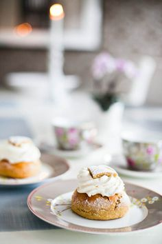 Underbara LCHF Semlor! Wonderful Low Carb / Paleo Cream buns (Traditional swedish bun: Semla)