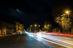 Un fiume di luci dentro Piazza Fiume.  Location: Vittorio Veneto - San Giacomo  #reflexbook #vittorioveneto #ioamolamiacittà #piazza #sangiacomo #scieluminose  #lighttrails