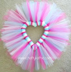 Do It Yourself Tulle Wreath - Bing Images Tulle Crafts, Wreath Crafts, Diy Wreath, Valentine Day Wreaths, Valentine Crafts, Holiday Wreaths, Valentine Ideas, Wedding Door Wreaths, Tutu Wreath